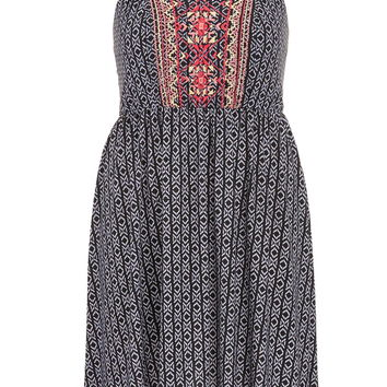plus size dress in ethnic print with embroidery
