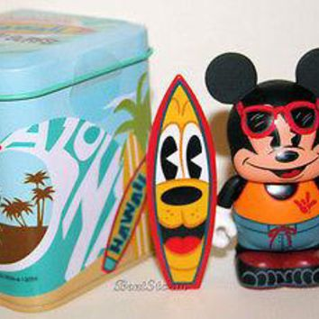 "Licensed cool Disney Store Hawaii Exclusive Surfer Mickey Surfs Vinylmation Surfboard 3"" NEW"