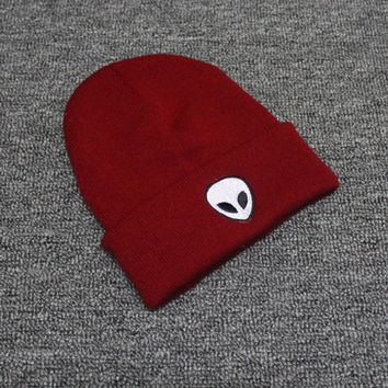 Autumn Winter Knitted Beanie Womens & Mens Alien Embroidery Wool Cap Solid Red Colored Cuffed Skully Hat