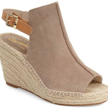 Seychelles Charismatic Wedge - Taupe