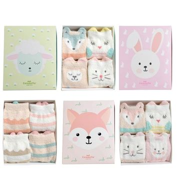 2018 Women Socks Winter Socks Gift Box 4 Pairs Cute Cartoon Women Fashion Cute Funny Lady Warm Long Socks Breathable