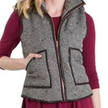 Peach Love Striped Quilted Vest in Black and White T11087