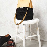 Gracie Roberts Womens Mix Up Crochet Bucket Bag