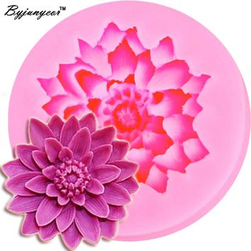 Byjunyeor M091 Lotus Shape Chocolate Candy Jello 3D Silicone Mold Cartoon Figre/Cake Tools Mold Sugar Craft Cake Decoration