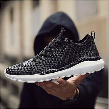 New Breathable Light Shoes Men Casual Weaving Design Solid Sneakers