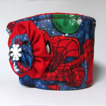Coffee Cup Cozy / Comic Book / Drink Sleeve / Christmas / Comic Books / Geekery / Superhero / Spiderman / Holiday Cup Cozies / Snowflakes