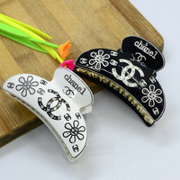 9cm Trendy Hair Comb Clamp Tiara Bride Wedding Hair Accessories Acrylic Brand Letter Hair Claw Clip For Female Ponytail Holder