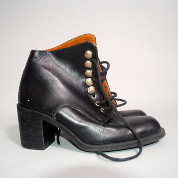 Vintage 1990s black leather GRUNGE low heel CHUNKY lace up combat boots Size 38