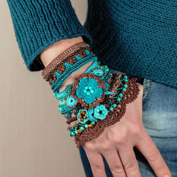 Brown Cappuccino Blue Mint Turquoise Crochet Bracelet Cuff. Freeform Crochet Bracelet. Glass Beaded Cuff. Tiger Eye Turquoise Bracelet.