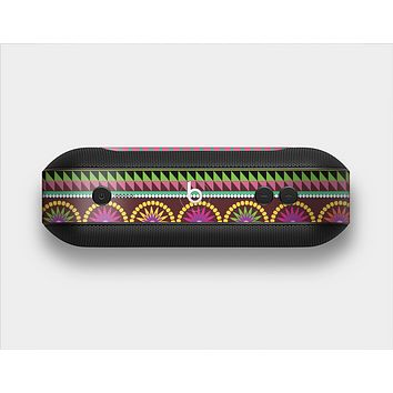 The Retro Colored Modern Aztec Pattern V63 Skin Set for the Beats Pill Plus