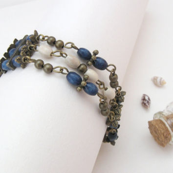 Blue Berries - brass bracelet with wooden beads