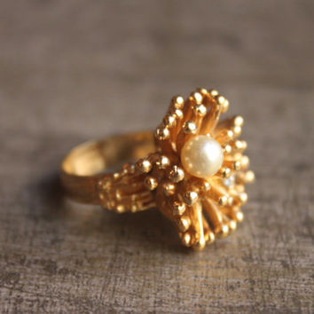 Vintage Funky 60's Adjustable Ring-Gold Tone Faux Pearl and Diamond with Gold Spokes-Cocktail Ring-Size 6.5-8