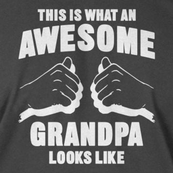 Awesome Grandpa Hoodie New Baby Gift Screen Printed T-Shirt Mens Funny Fathers Day Christmas Dad Father Kids Gift Awesome Grandpa Looks Like