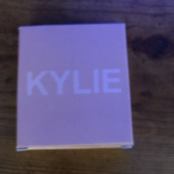 Kylie SALTED CARAMEL | KYLIGHTER
