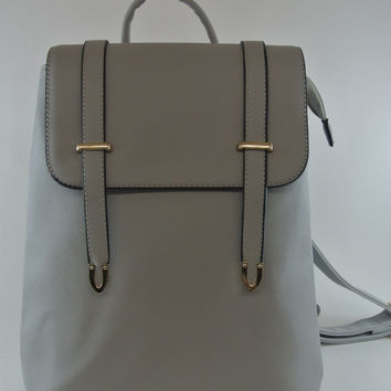 Easy-to-Carry  Classic  Gray Backpack