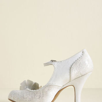 Ruby Shoo Statement Arrangement Mary Jane Heel in Ivory