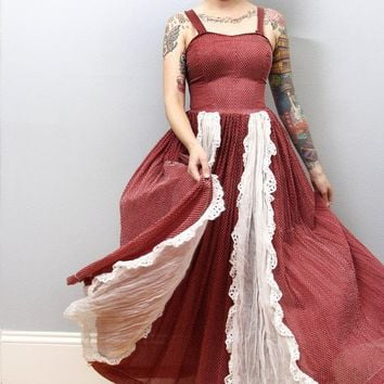 $72.00 Vintage Prairie Dress Maroon and White Western Maxi by zwzzy