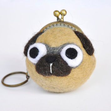 pug coin purse keychain, pug clasp purse, pug clasp wallet, animal purse, pug gift, pug keychain, pug wallet, wet felted, dog lover gift