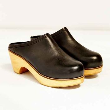 BDG Marigold Leather Platform Clog-