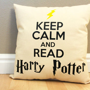 Keep Calm and Read Harry Potter Pillow w/ Lightning Bolt