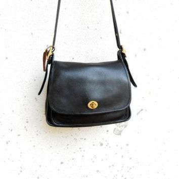 Vintage Black Coach No. B050 - 9061 Leather Flap Crossbody Purse Messenger Bag / Sma - Beauty Ticks