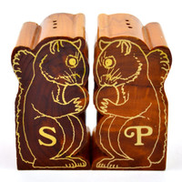 Fun Vintage Wood Squirrel Salt and Pepper Shakers, Wood Salt and Pepper Shakers, Wooden Shakers