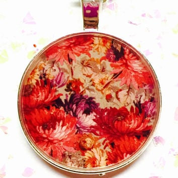 Chrysanthemum Flower Necklace, Floral Jewelry, Vintage Flower Image, Botanical Illustration,  Resin Necklace, Feminine Accessories,