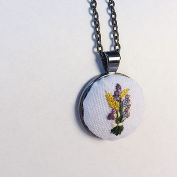 Custom Wedding Bouquet Wildflower Necklace. Hand Embroidery. Textile Jewelry. Bridal Bouquet. Wildflowers.