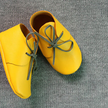 Baby yellow leather booties with gray shoelaces Newborn, infant, toddler soft shoes Baby girl and baby boy moccasins