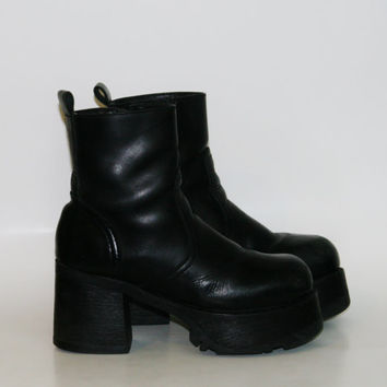 90s chunky Boots leather platform Shoes Black Steve Madden Cyber Goth Punk soft Grunge boho Festival hipster ankle minimalist gothic us 8