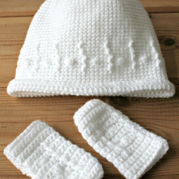 Hat Handmade newborn baby crochet beanie hat & mittens set toque crochetyknitsnbits baby girl boy clothes white baby gifts new baby layette
