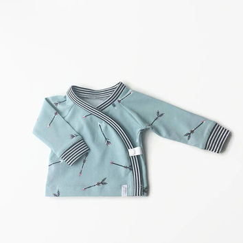 Baby kimono wrap shirt. Toddler longsleeve. Wrap top. Light blue cotton with arrows.  Longsleeve shirt.