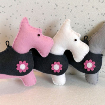 Felt Toy Scottish Dog, Handmade Toy, Baby Mobile Toy, Baby Room Decor, Nursery Decor, Baby Shower, Baby Garland Toy, 100% WOOL felt