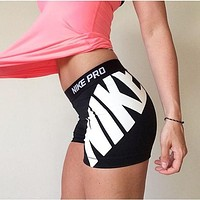 Nike Pro Women Workout Gear Shorts Black&White Sports Shorts