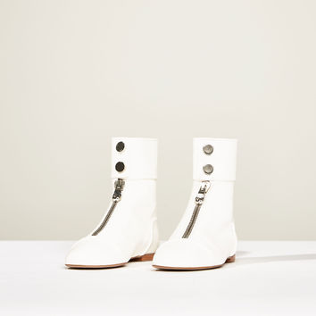 STUDIO FLAT LEATHER ANKLE BOOTS WITH ZIP DETAILS