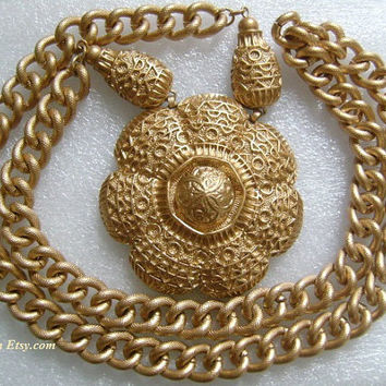LUCIEN PICCARD Rich Golden Color Textured Chunky Long Endless Chain Link No Clasp Necklace W/Huge Round Medallion Gong Floral Detail Pendant