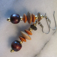 Wood and paui shell bead drop dangle earrings gold tone Hippie Boho vintage 70s.