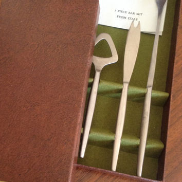 Kal-Mar stainless steel 3 piece Bar Set. In original box with original pamphlet. Made in Italy.