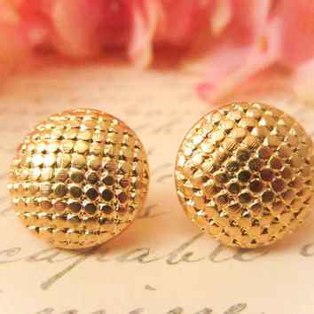Sale, Vintage gold sequin studs, vintage earrings, vintage button earrings, gold earrings, gold studs, clipon, spring , bridesmaid earrings