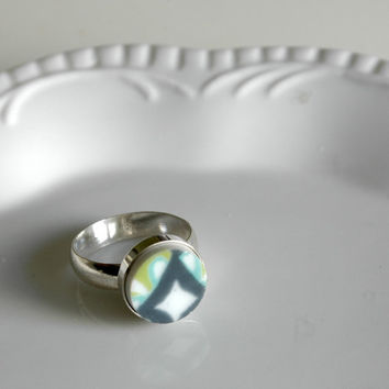 Sterling Silver Simple Circle Broken Plate Ring - Green Grey Blue Modern - Size 7 - Recycled China