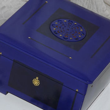 Lock BOX. Cobalt Blue Wooden LOCK Box. Jewellery Box. Can PERSONALISE the Brass Plaque. Keep sake box. Affirmation Box. Storage box. Trinket