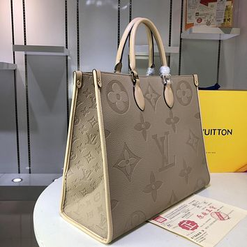 LV Louis Vuitton 2019 new women's pockets diagonal cross bag shoulder bag