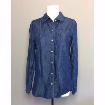 Foxcroft Fitted Fit Chambray Button Down Shirt Size 8 Blue Denim