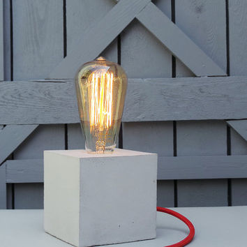 "Concrete Lamp ""The Cube"" - Lighting - Table lamp with light grey concrete, red textile cable and vintage Edison bulb"