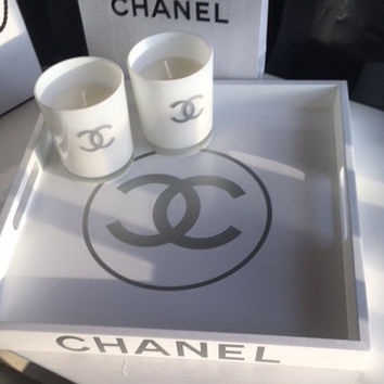 CHANEL tray with candles