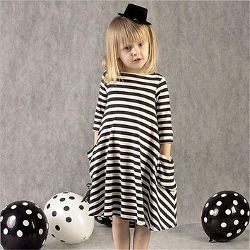2017 New Styles Autumn Family Matching Outfits Mother Or Daughter Dress Casual Fall black and white Striped Dress BD221