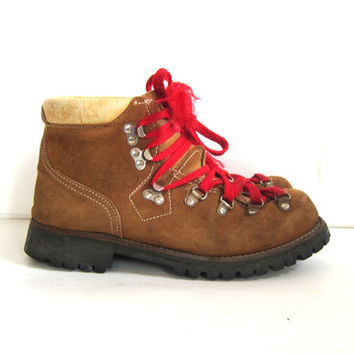 Vintage brown suede leather mountain hiking boots // red laces