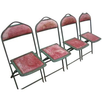 Pre Owned Vintage Distressed Metal Folding Chairs   Set Of 4