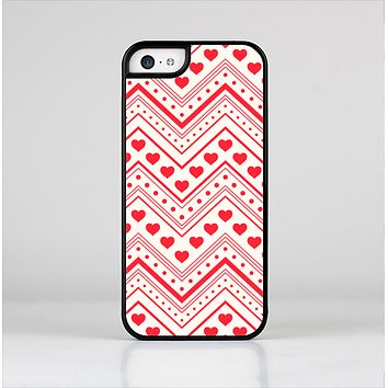 The Hearts and Dots Vector ZigZag Pattern Skin-Sert for the Apple iPhone 5c Skin-Sert Case