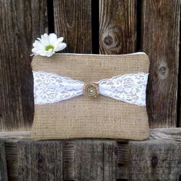 Rustic bridesmaid clutch made of burlap and lace, embellished with burlap rose and pearl, set of seven clutches